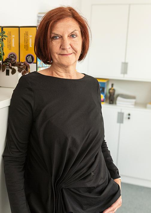 Dr. Marija Javornik